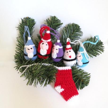 Père Noël et ses lutins.