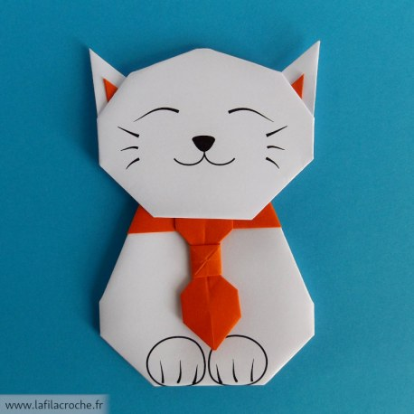Marque page chat origami avec collier cravate