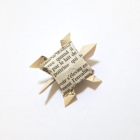 Tortue origami feuille de livre