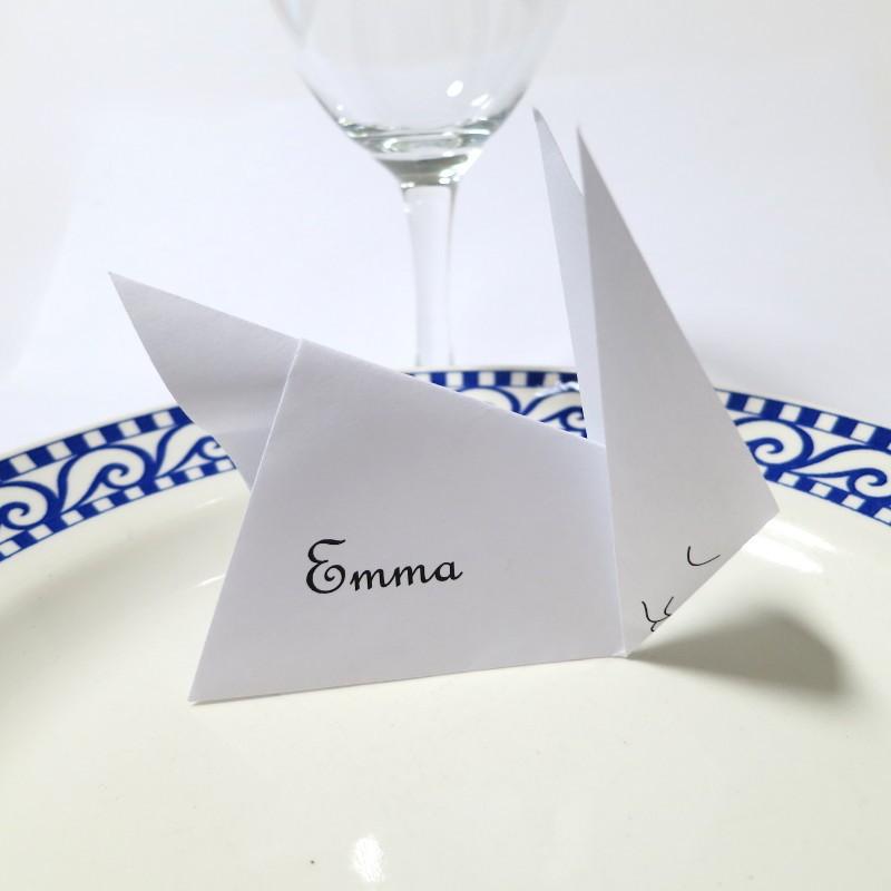 marque place lapin en origami pour anniversaires d 39 enfants. Black Bedroom Furniture Sets. Home Design Ideas