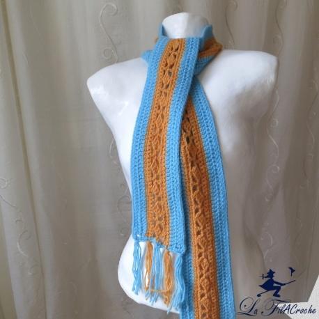 Longue écharpe en laine