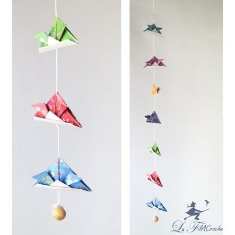 Guirlande de kabutos en origami: Tête à casque