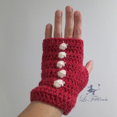 Mitaines en crochet rouges avec noppes naturel