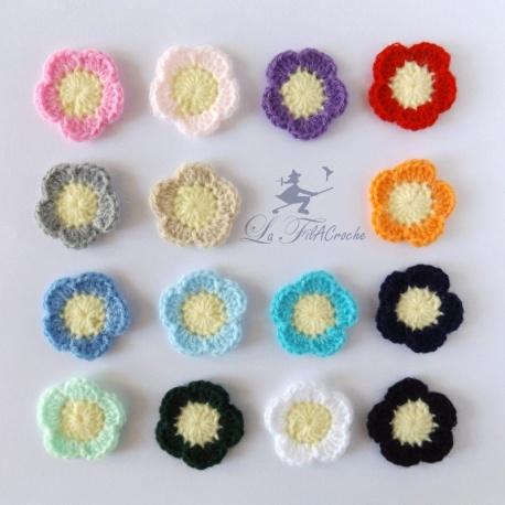 Appliqué fleur bicolore au crochet