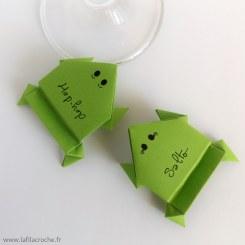 Marque-place Grenouille sauteuse en origami