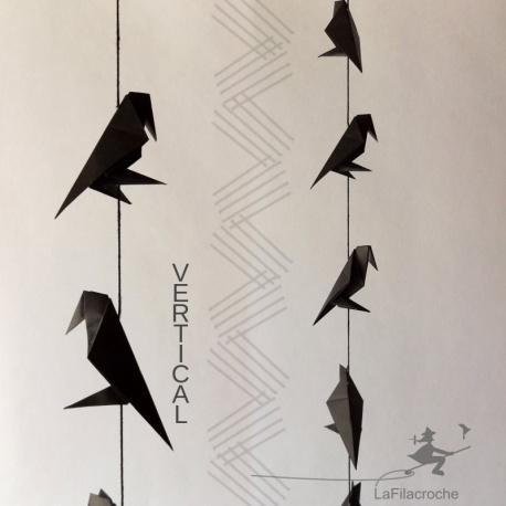 Guirlande horizontale de corbeaux en origami