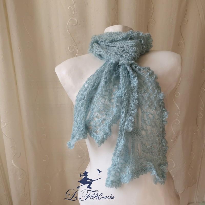 68c16e721d2c Echarpe femme en laine et mohair, fait main au crochet.
