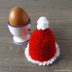 Cache-oeuf bonnet de Noël au crochet