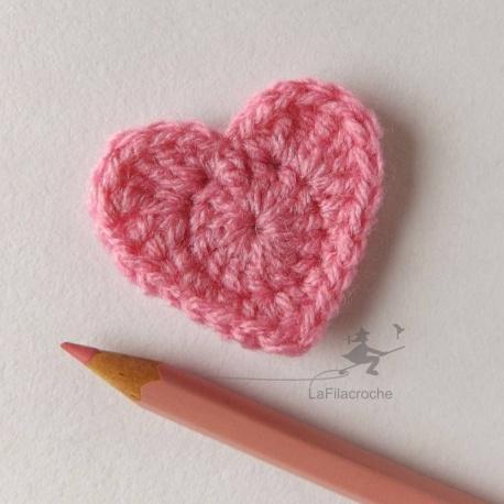 appliqué coeur rose au crochet