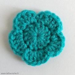 appliqué fleur turquoise au crochet