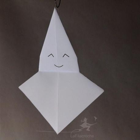 fantôme en papier à suspendre