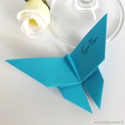 marque-place papillon origami bleu