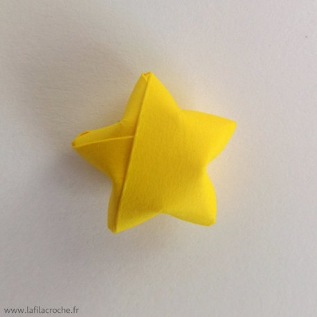 Étoiles porte-bonheur origami