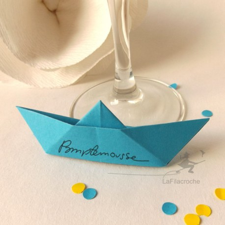 Marque-place bateau classique origami