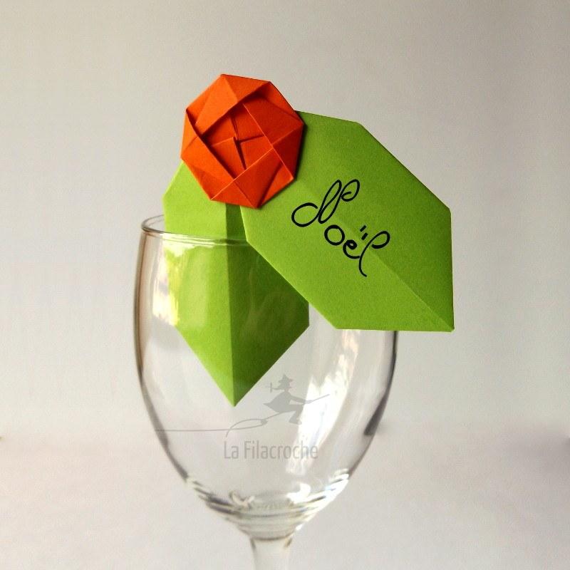 marque place feuille de houx pour no l fait main en origami. Black Bedroom Furniture Sets. Home Design Ideas