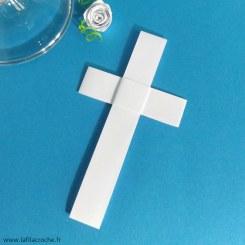 Marque-place Croix Latine en origami