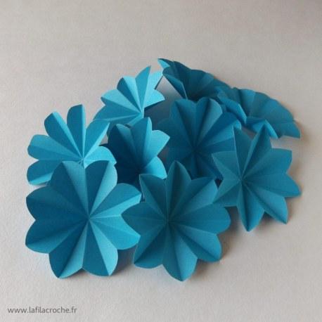 Fleur en papier décoration de table