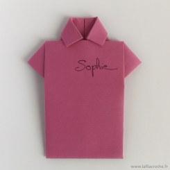 marque-place chemise en origami fait main