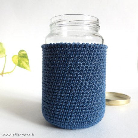 Cache bocal au crochet