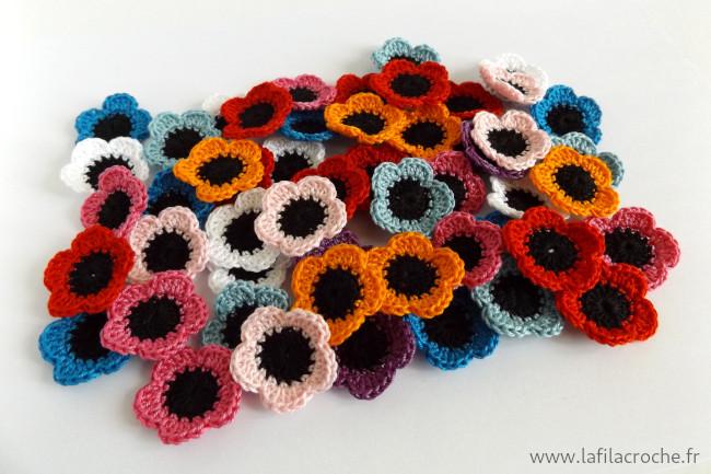 Un tas de petites fleurs au crochet 100% coton