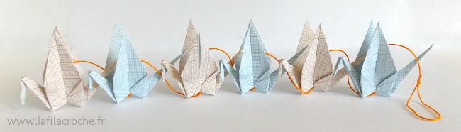 Guirlande origami avec 6 grues en papier millimetré