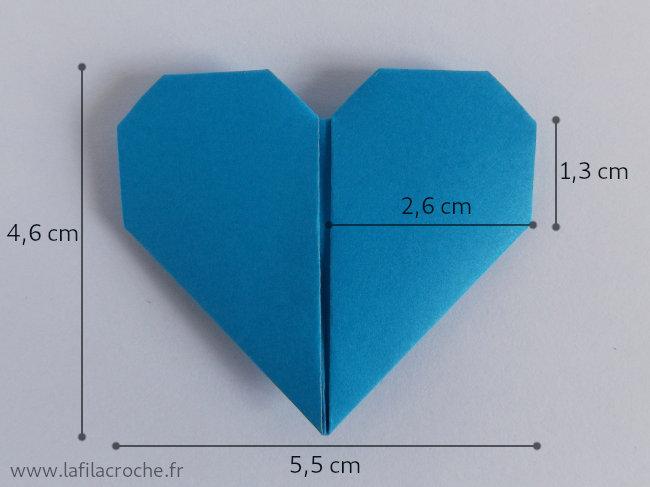 Dimensions du marque-place coeur origami