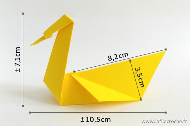Dimensions du marque-place cygne en origami