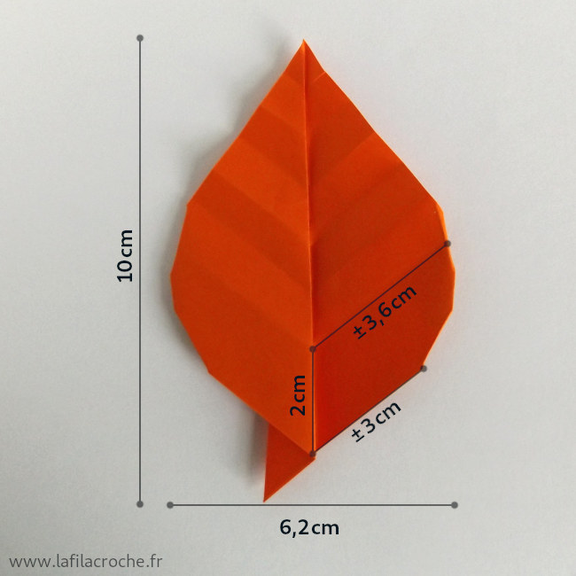 Dimensions du marque-place feuille origami