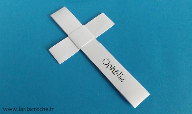 Marque-place croix avec prénom