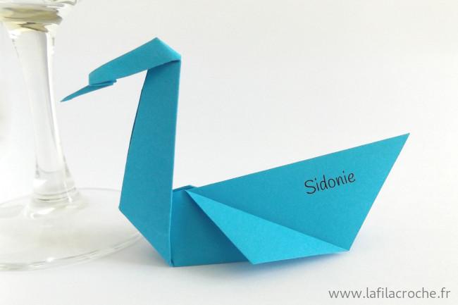 Marque-place cygne origami imprimé avec prénom