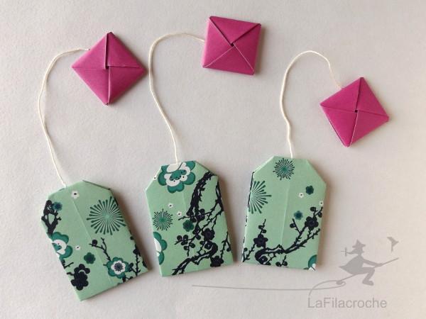Disposition des motifs sur les marque-places sachets de thés